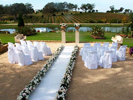 Moqueta ferial blanca para bodas y otros eventos